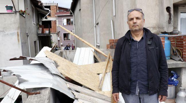 - Fırtınada çatısı komşusunun çatısına uçtu