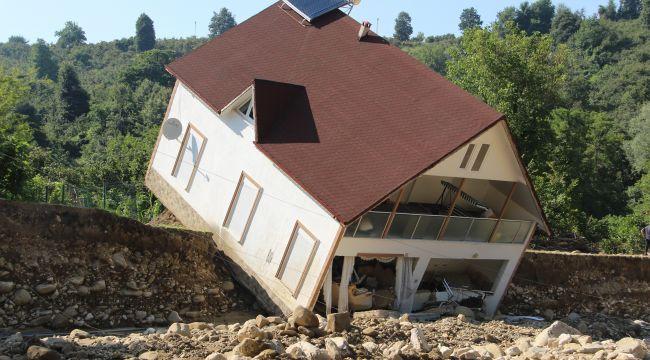 Selde 180 ev hasar gördü, 41 bina ise tamamen yakıldı