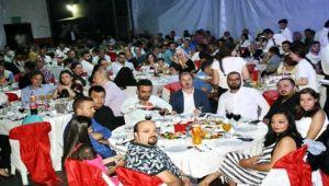 Yüzlerce çalışanı ile düğün havasında kutladı...