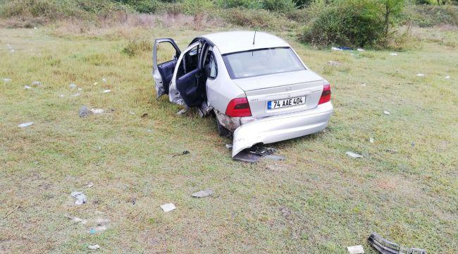 - İki araç kavşakta çarpıştı: 2 yaralı
