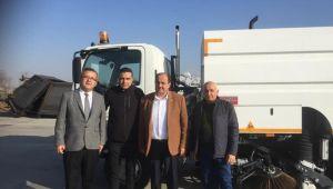 Gülüç Belediyesi yeni temizlik aracını teslim aldı