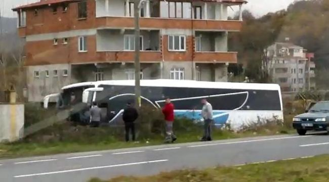 - Yolcu otobüsü kaza yaptı