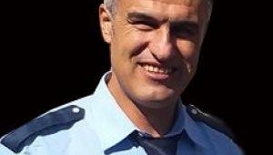 Emekli polis 6 katlı binanın çatısından düşüp öldü