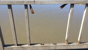 - Köprü korkuluğu yapılmayı bekliyor
