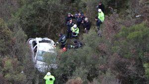 Otomobille 100 metreden kanyona uçtu