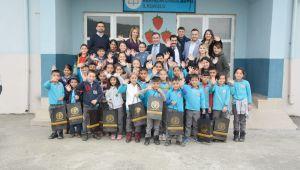 - 'Kardeş okuluma hediye' projesi Bakırlık İlkokulu'nda yapıldı
