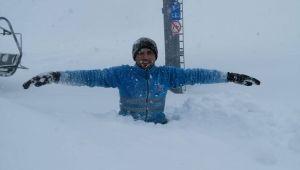 - Keltepe Kayak Merkezi'nde kar kalınlığı 1 metreyi aştı