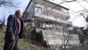 - Üç katlı ev heyelan riski nedeniyle boşaltıldı