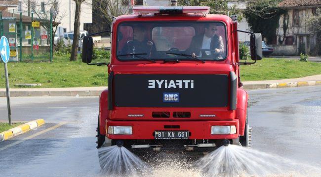 - Başkan Yanmaz itfaiye aracının direksiyonuna geçti sokakları yıkadı