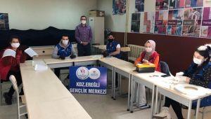 Kdz.Ereğli Gençlik Merkezin'den sağlık çalışanlarına siper maske desteği