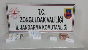 - Jandarma ekiplerinden kumar oynatılan eve baskın