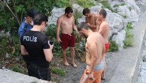 - Akıntıya kapılan gençlerin imdadına ekipler yetişti