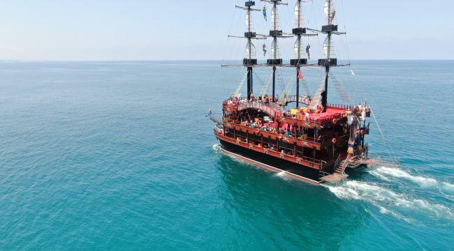 - Akçakoca Belediyesi'ne ait gezi teknesi Karadeniz turlarına başladı