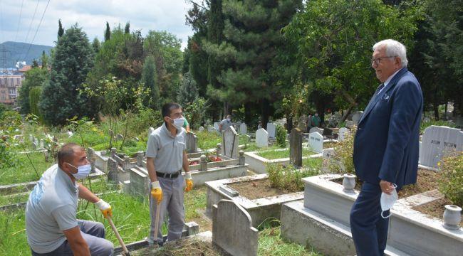"""- Posbıyık: """"57 mezarlığı temizleyip bakımlarını yapıyoruz"""""""
