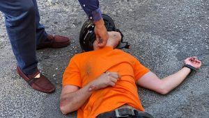 - Motosikletten fırlayan sürücü ağır yaralandı