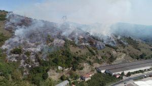 - Çalılık alanda çıkan yangın yerleşim yerlerine ilerliyor