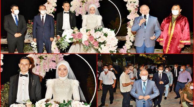 Düğüne protokol akını