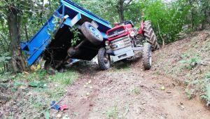 Tarım işçilerini taşıyan traktör devrildi: 4 yaralı
