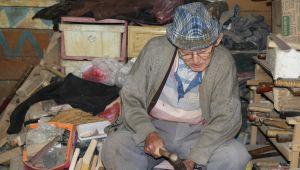 - 80 yaşındaki Hasan Dede'ye 'poşet delik' diye saldırdı