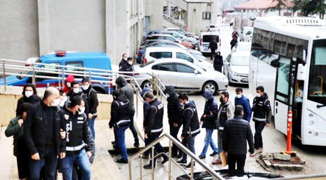 FETÖ'nün yeniden yapılanmaya çalışan üyelerine operasyon: 15 gözaltı