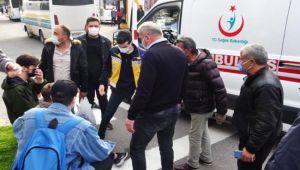 Halk otobüsü ile motosiklet çarpıştı: 1 yaralı