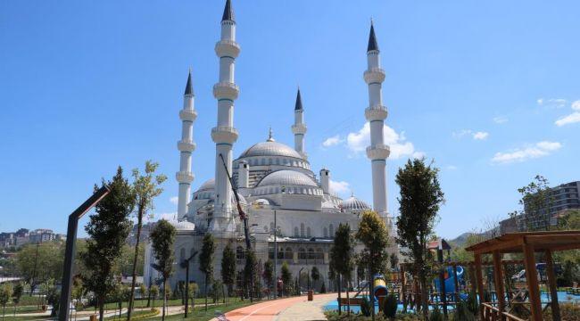 - Erdoğan'ın açılışını yapacağı Uzunmehmet Camii'nde sona gelindi