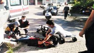 Motorlu kurye trafik kazası geçirdi