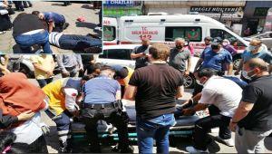 Polisten kriz geçiren adama kalp masajı...
