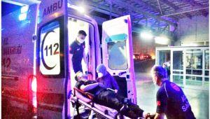 Sokakta sızan genç, ambulansta cihazlara saldırdı!