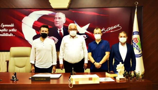 Veteran Futbol Takımı'ndan Başkan Posbıyık'a ziyaret