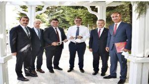 GMİS yönetimi ve milletvekilleri, Bakan Dönmez ile görüştü
